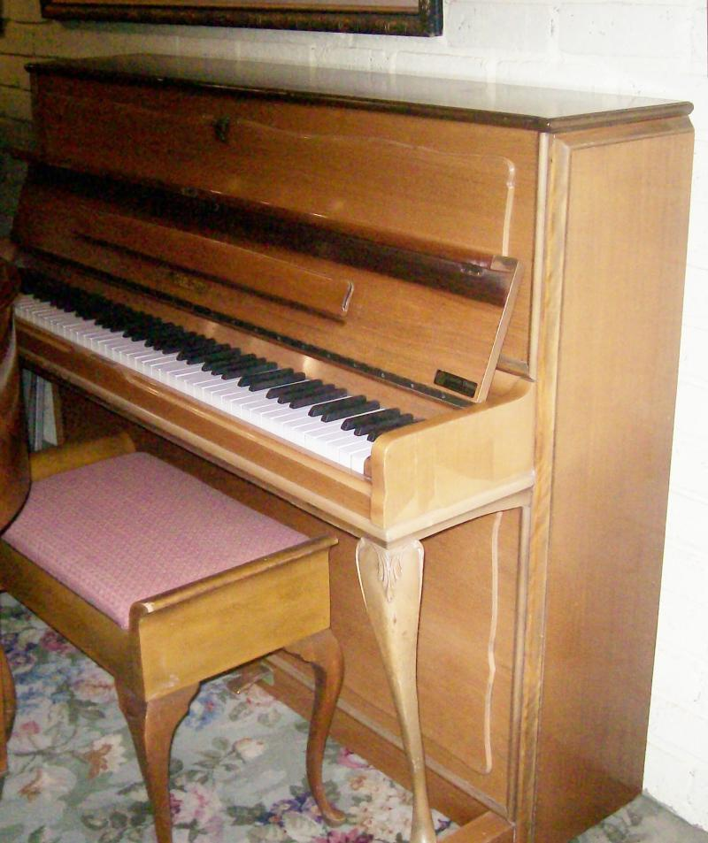 Eshelby and sons gallery of all hire pianos for Small upright piano dimensions